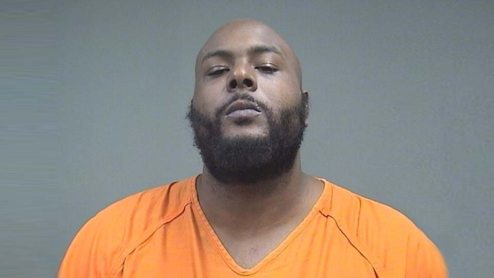 Kalen Robinson, charged with domestic violence and obstructing justice in Youngstown
