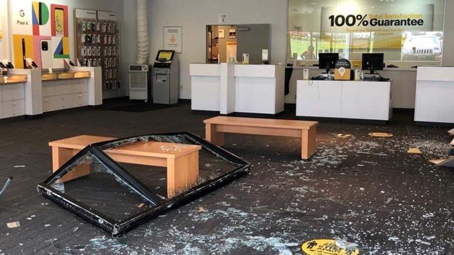 Sprint Store car crash 2