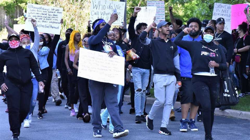 Crowd marching in Youngstown protests