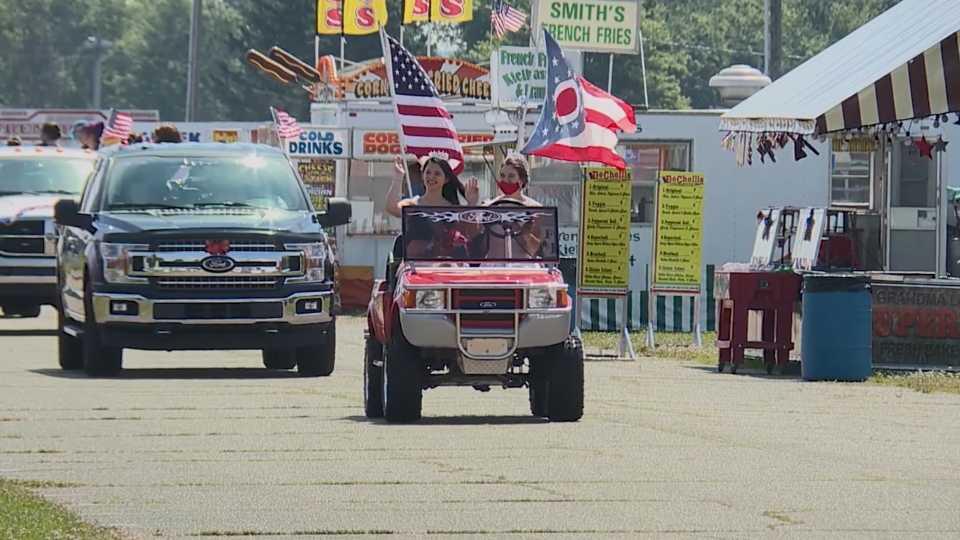 4-H seniors parade through Trumbull County Fairgrounds.