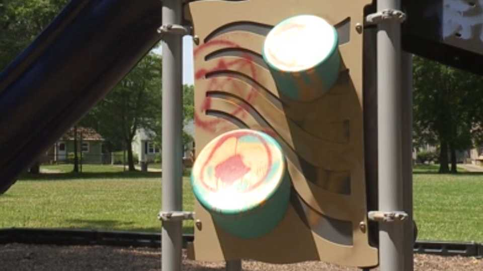 A Warren resident is looking for help after someone vandalized Circle Park in Warren.