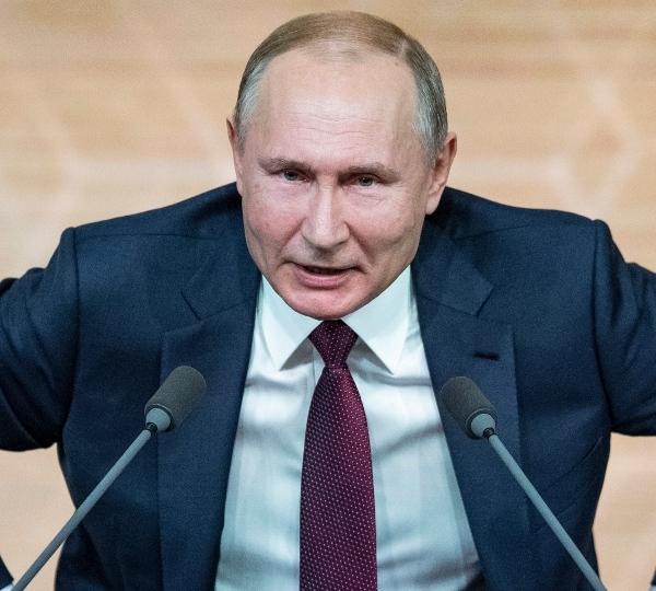 Putin a step away from goal as constitutional vote nears end.
