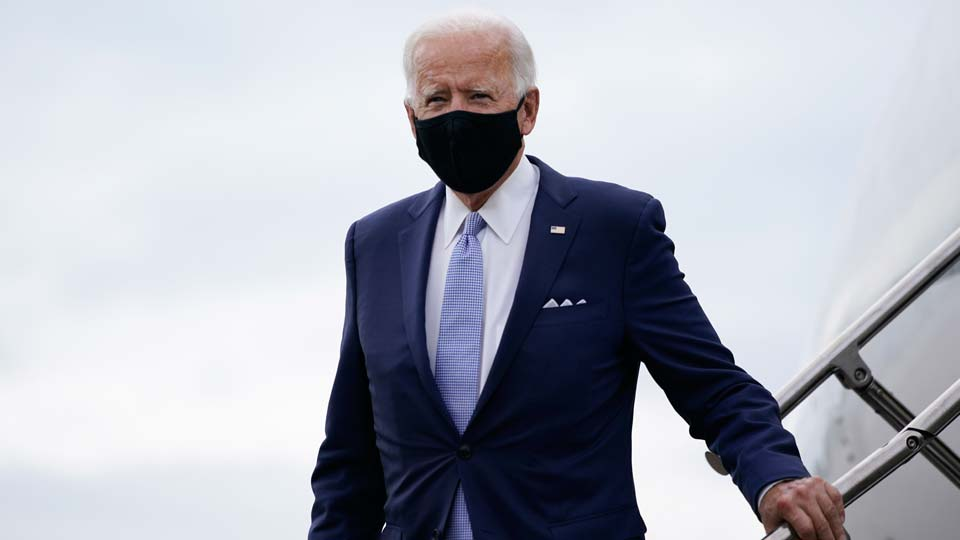 Democratic presidential candidate former Vice President Joe Biden arrives at the Allegheny County Airport, en route to speak at a campaign event in Pittsburgh, Pa., Monday, Aug. 31, 2020