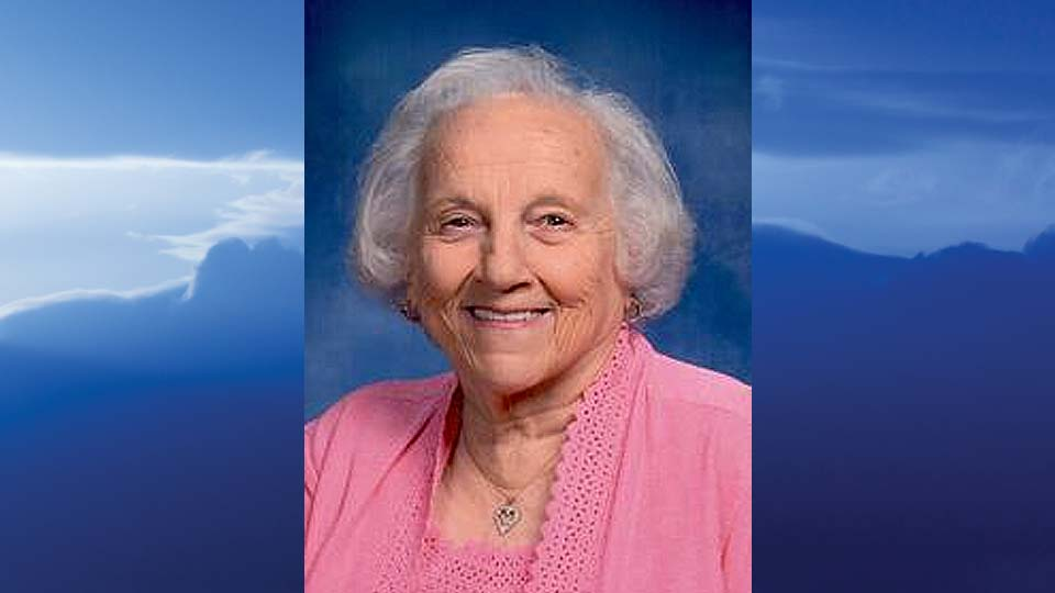 """Elizabeth V. """"Dolly"""" Denoi, Sharpsville, Pennsylvania-obit"""