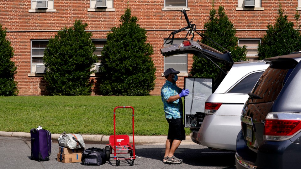 University of North Carolina move in day