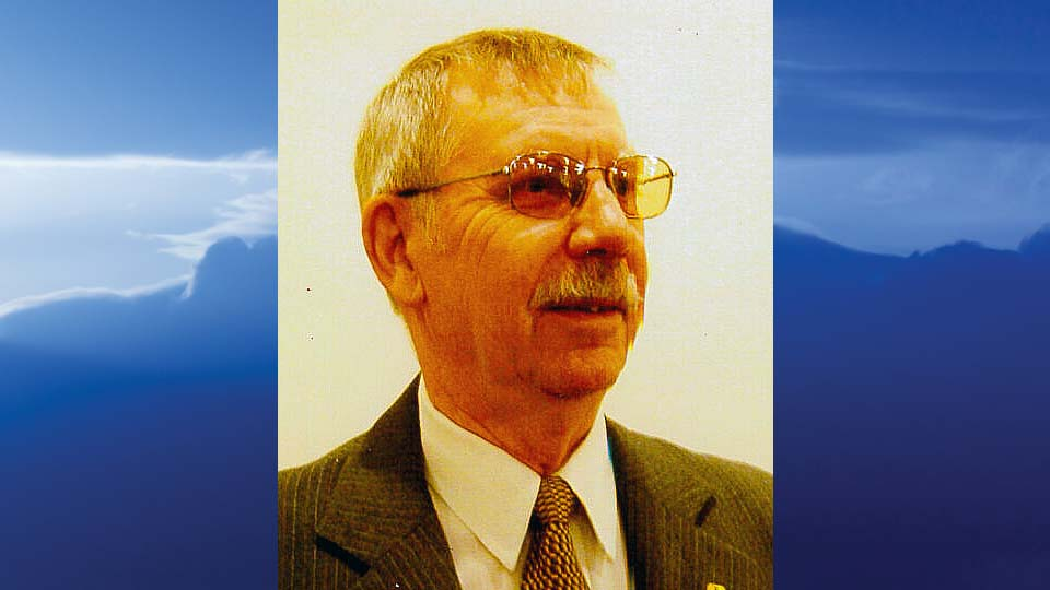 "Adin R. ""Dick"" Hively, New Middletown, Ohio-obit"