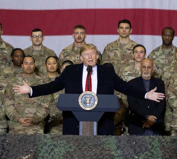 Donald Trump speaks to troops