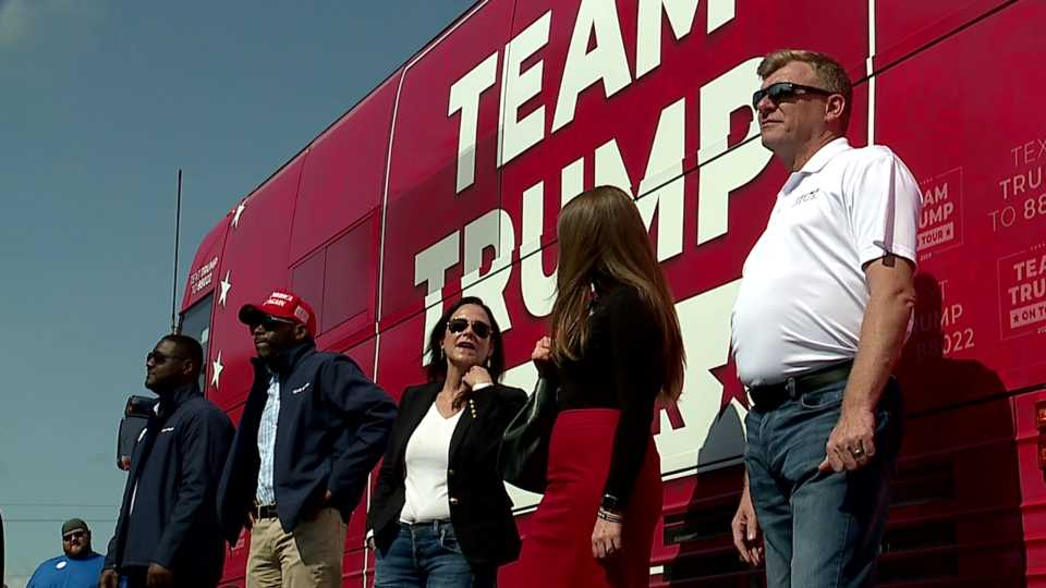 Trump tour bus in Boardman