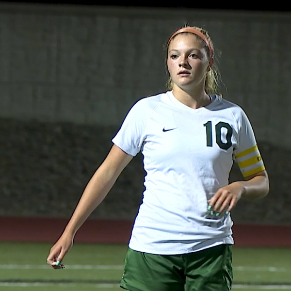 Senior captain Jillian Pidgeon scored three goals for the Warriors in a convincing 8-0 victory Wednesday