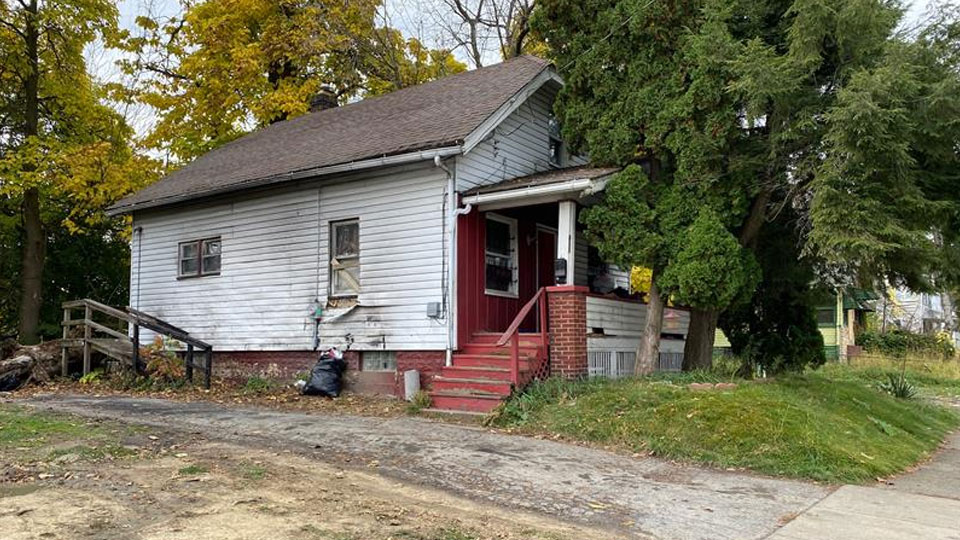 411 Marion Street, man shot in leg, Youngstown