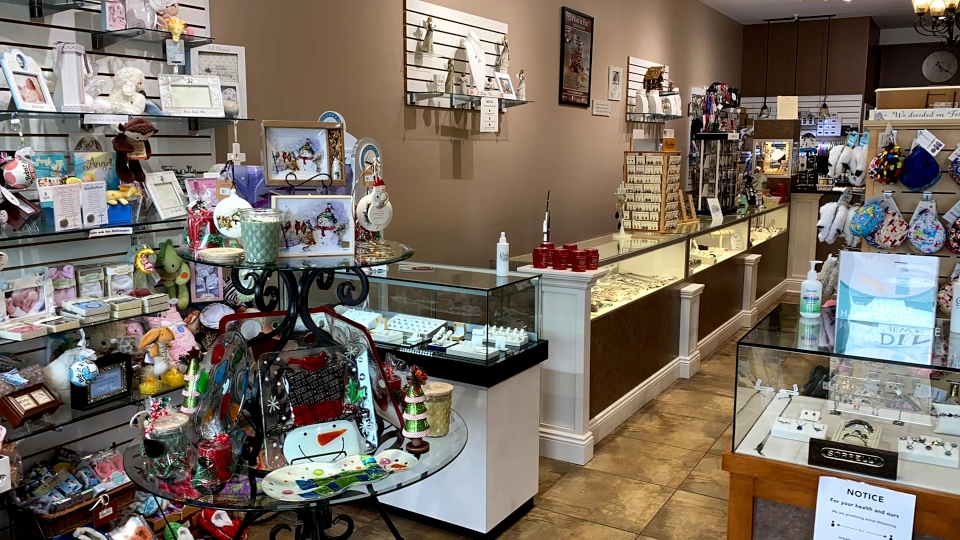 Dineen's Jewelry and Gifts, Girard, Ohio