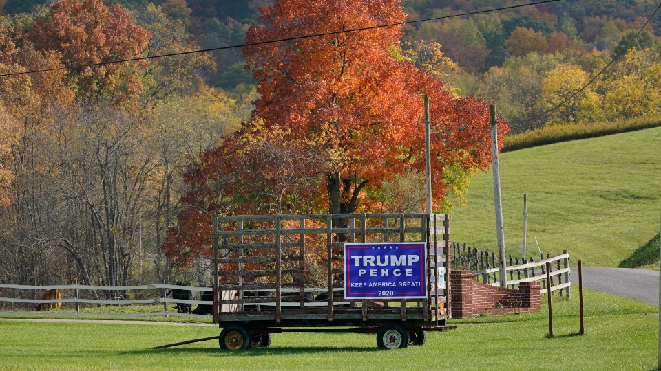 Trump, Pence sign in Butler County, PA