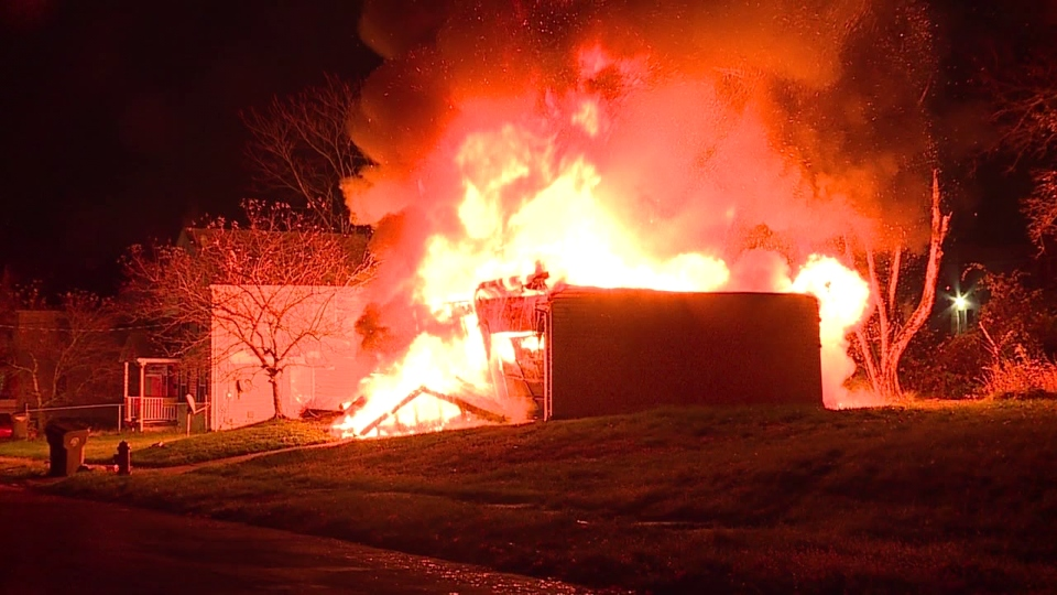 Vacant house fire on Myrtle Avenue in Youngstown
