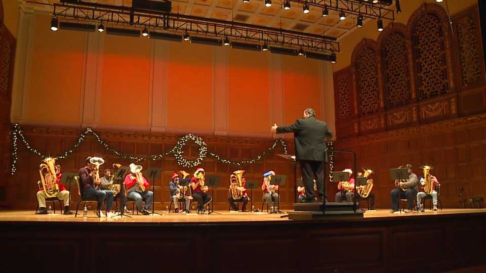 Stambaugh Auditorium Tuba Christmas concert ges virtual.