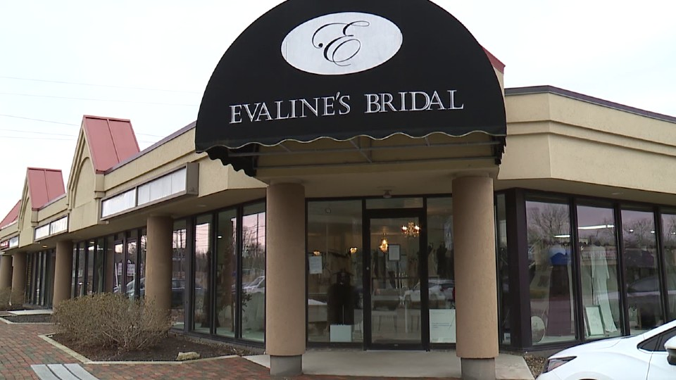 Evaline's Bridal in Warren