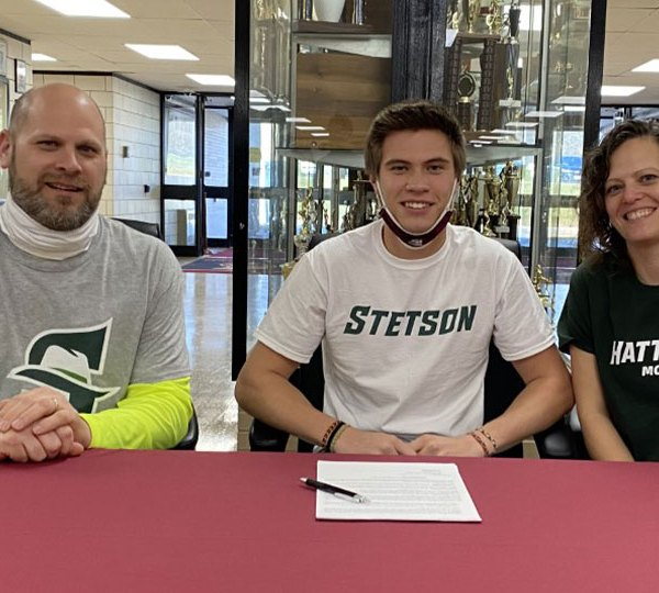 Frank Bero signs to continue his running career at Stetson University in Florida.
