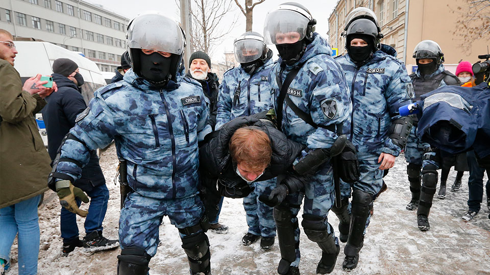 man arrested during Russia Navalny protest
