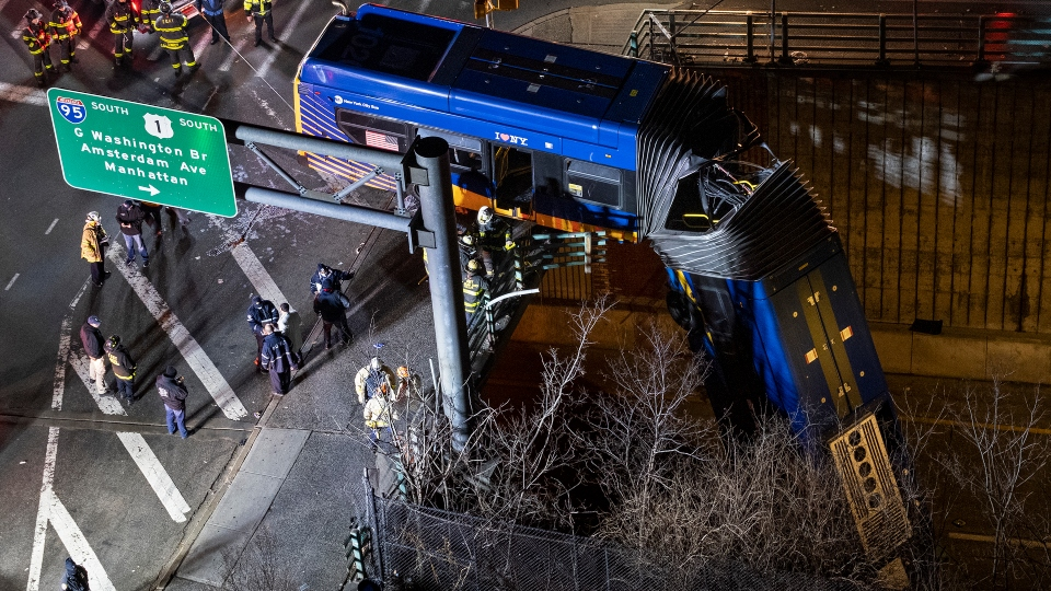 New York bus bridge crash