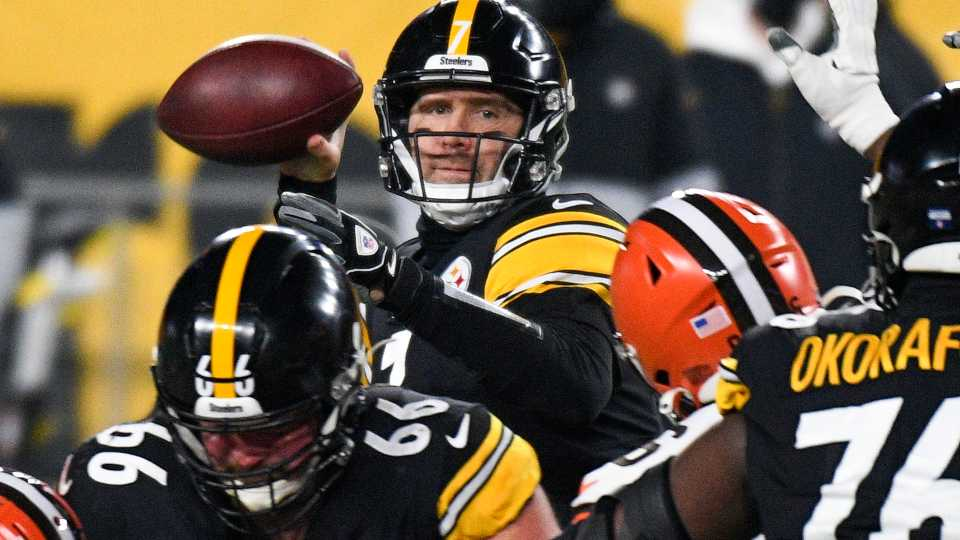Pittsburgh Steelers quarterback Ben Roethlisberger (7) throws a pass during the first half of an NFL wild-card playoff football game against the Cleveland Browns in Pittsburgh, Sunday, Jan. 10, 2021.
