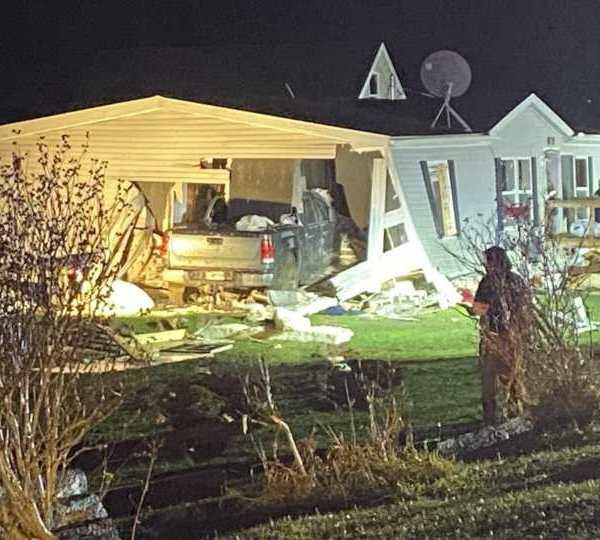 truck crashes into house fatal Beloit