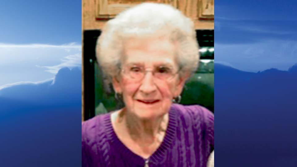 Betty L. Girts, New Middletown, Ohio - obit