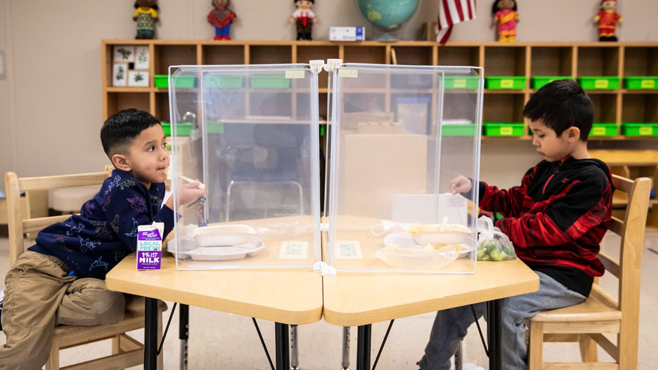 Preschool students eat lunch at Dawes Elementary in Chicago