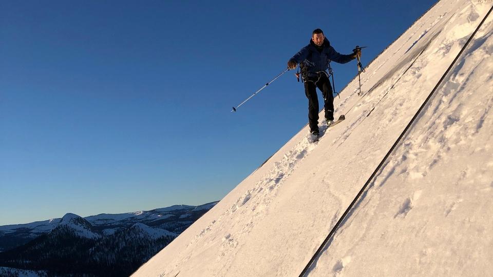 Skiers defy death Yosemite