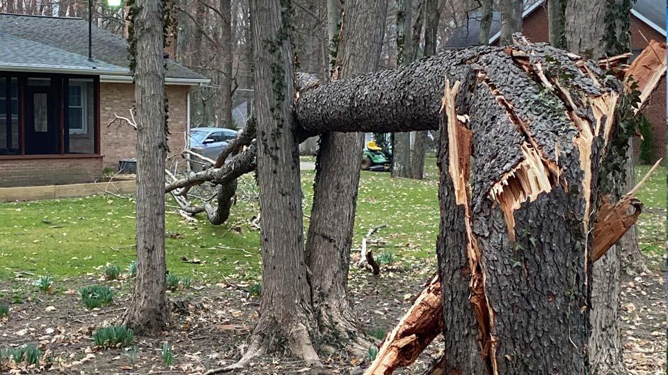 Wind Damage: 11 Street, Salem, Ohio