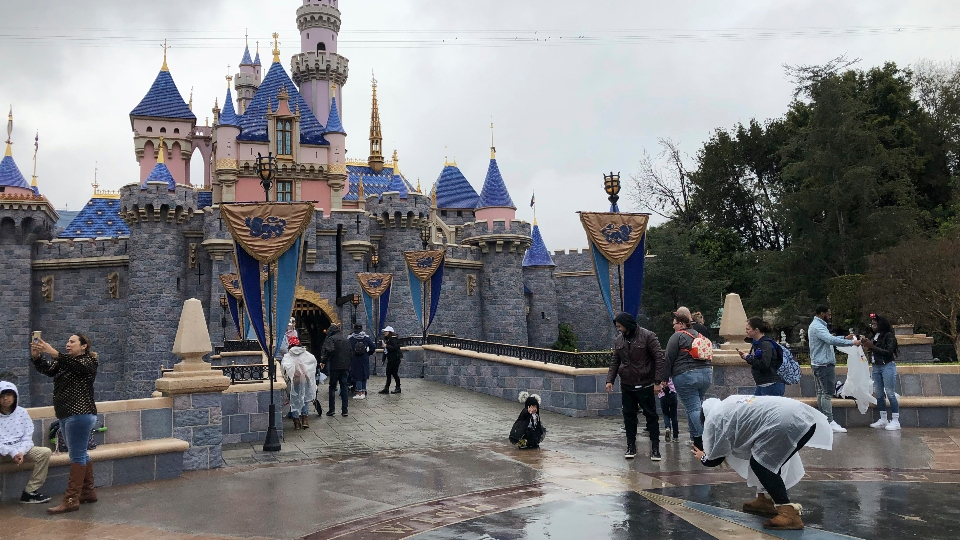 California OKs Disneyland reopen