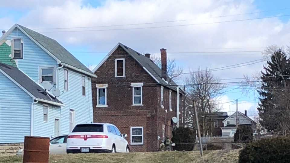 A suspect in an early-morning kidnapping attempt is presently holed up in a house on Wallis Avenue in Farrell.