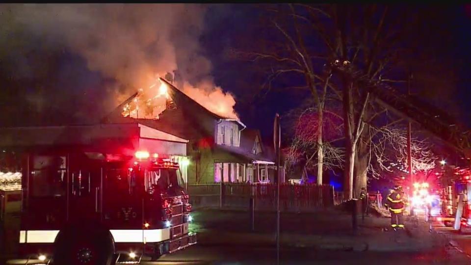 Hillman Dryhands Regenponcho Fire