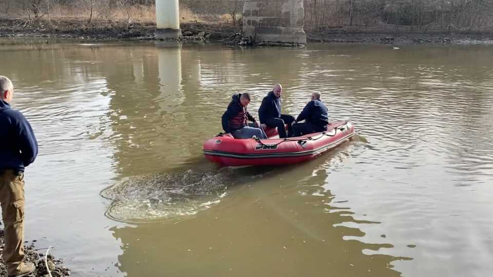 The Youngstown Police Department's Detective Bureau, along with the city fire department, have been searching the Mahoning River for evidence in two death investigations.