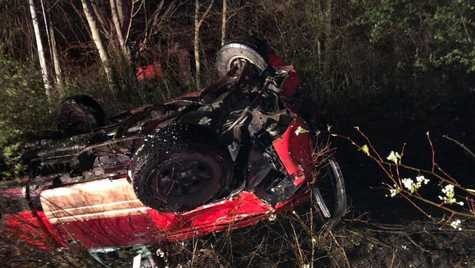 Three people were hurt in a rollover crash in Braceville Township Thursday night.