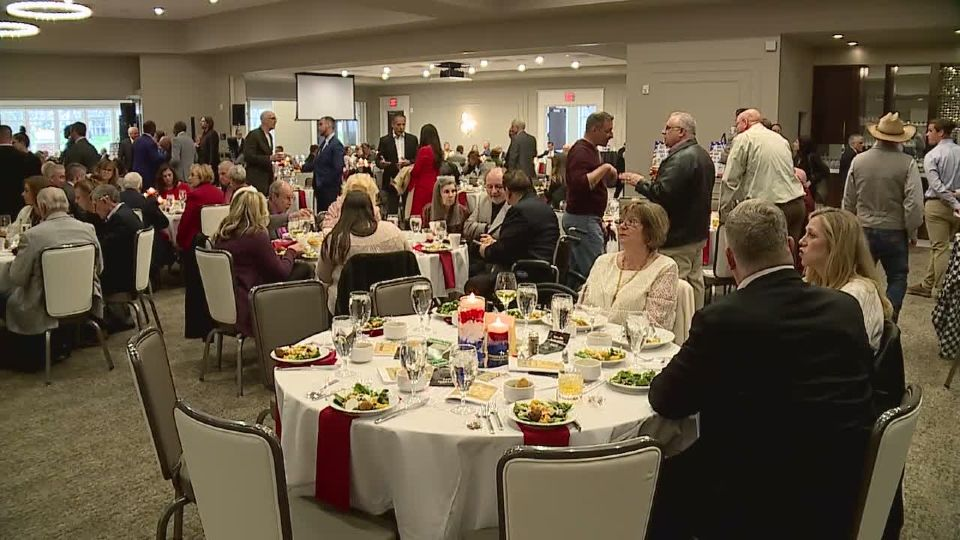 Ten years ago, selling out a large banquet hall for a Republican Party function in Mahoning County would have been unheard of but not anymore.