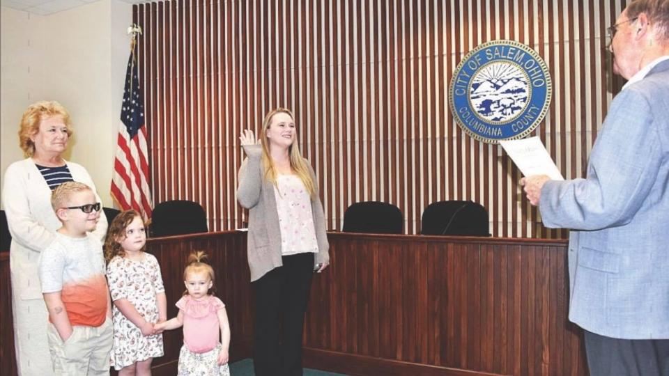 Salem part-time officer Samantha Collins sworn in