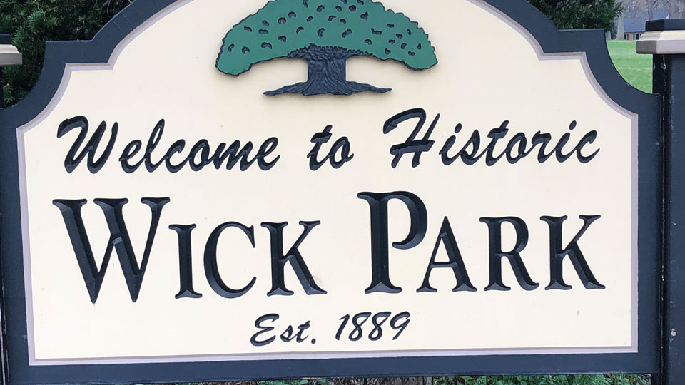 Welcome sign to Wick Park in Youngstown