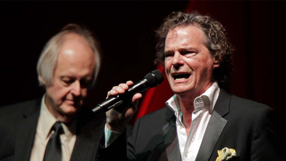 BJ Thomas performs at The Nashville Songwriters Hall of Fame Dinner and Induction Ceremony at the Music City Center on Sunday, Oct. 11, 2015, in Nashville, Tenn. Thomas died Saturday, May 29 at 78. (Photo by Wade Payne/Invision/AP)