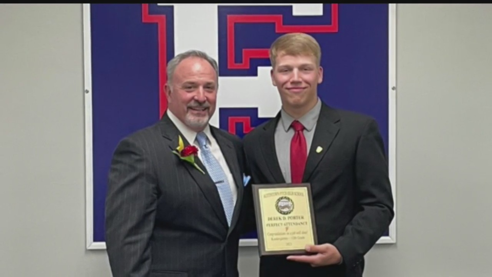 Austintown Fitch senior Derek Porter gets perfect attendance for 12 years