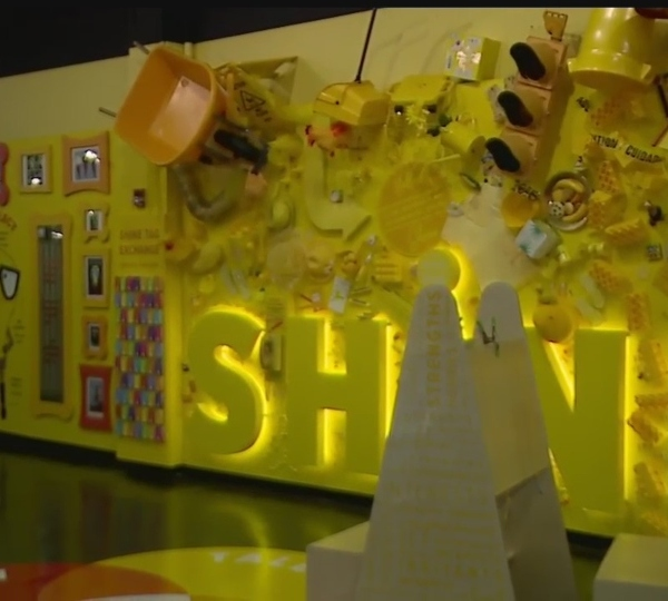 OH WOW! science center's House of Shine exhibit