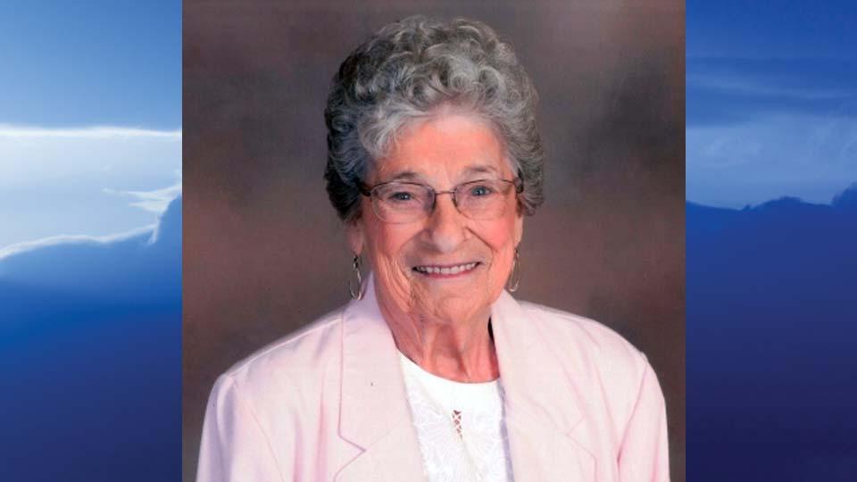 Sara Marie McCausland, Champion, Ohio - obit