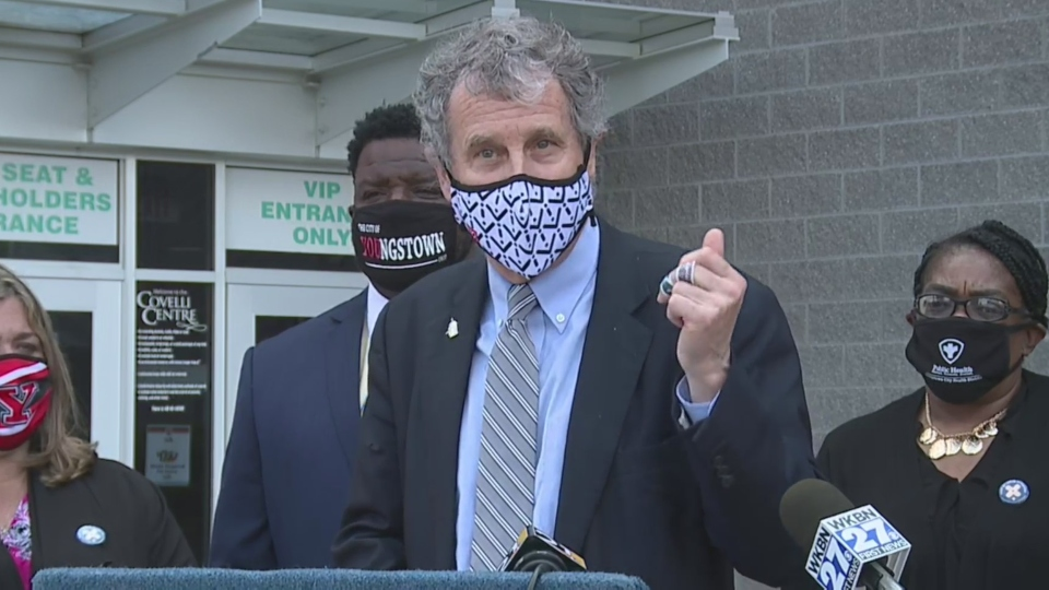 Sherrod Brown, Youngstown vaccination site