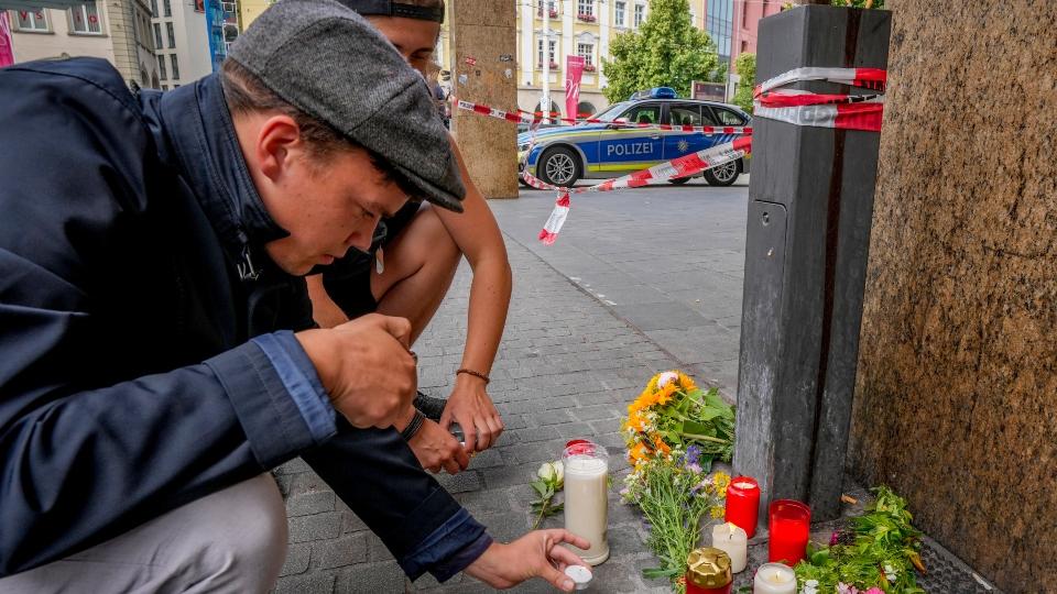 German investigators seek motive in fatal knife attack