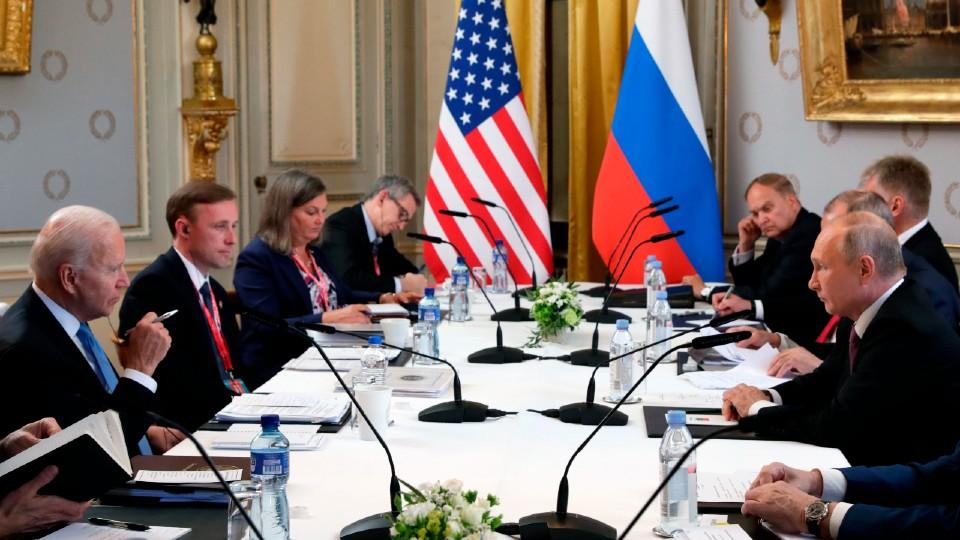 Biden and Putin meet in Switzerland