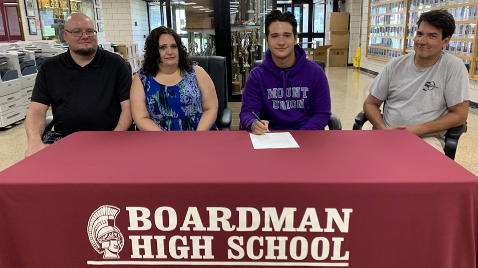 Jonah Bacho, Boardman Spartan, signs letter of intent to Mount Union