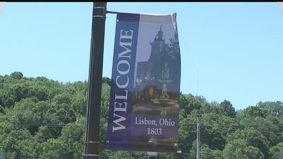 Thirty banners are hanging up in Lisbon, along with the red white and green ones.