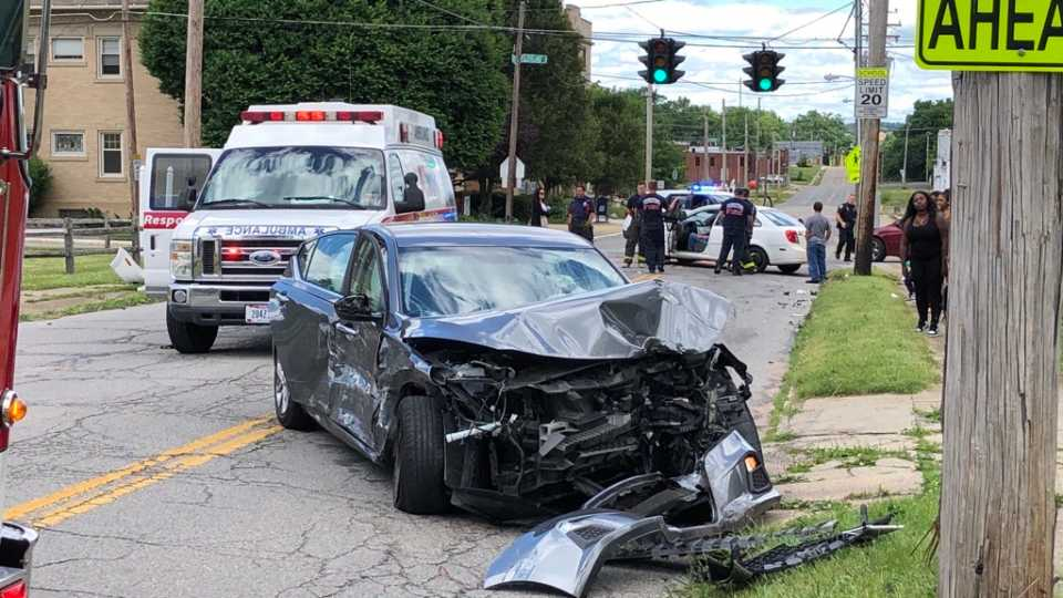 Crash on Cleveland and Oak Hill in. Youngstown