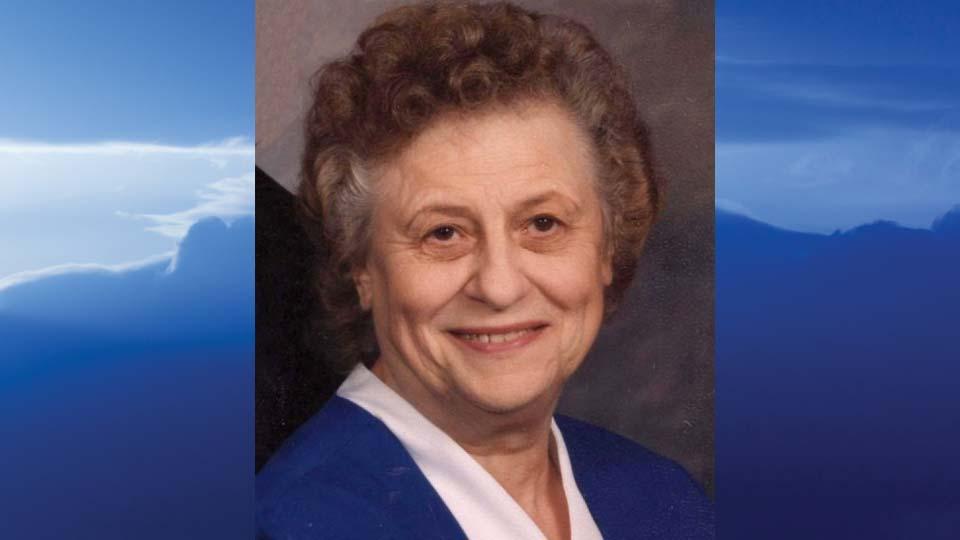 Pauline B. Gruszecki, Salem, Ohio - obit