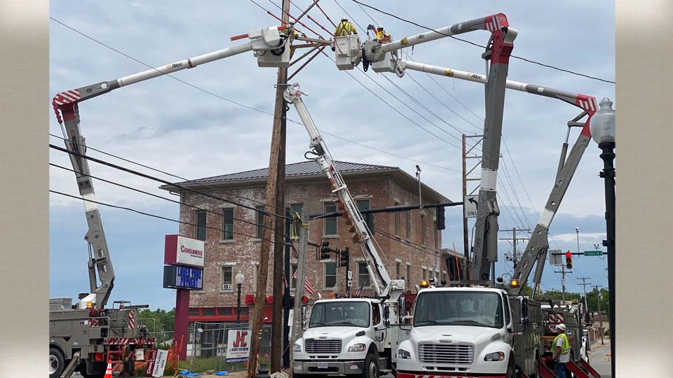 The intersection of State Street and Ellsworth Avenue is closed in Salem for telephone pole repairs