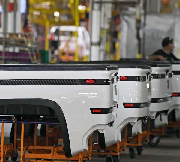 Lordstown Motors gets $400 million investment