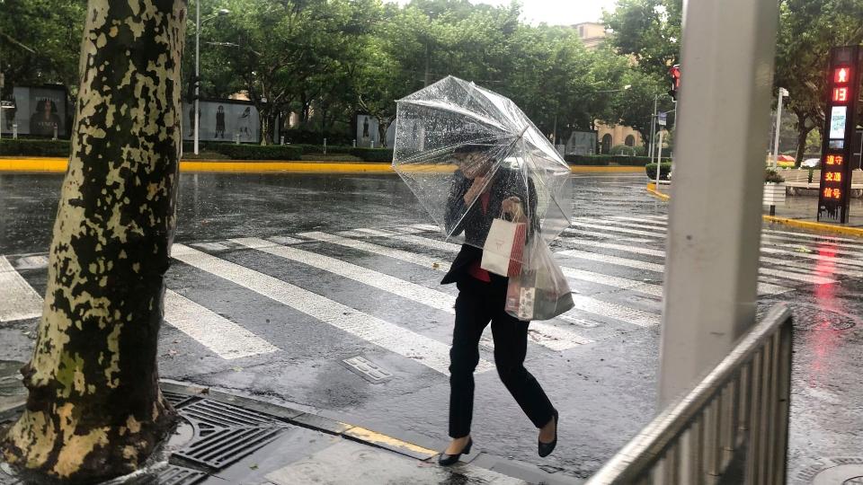 Typhoon In-fa hits China's east coast, canceling flights